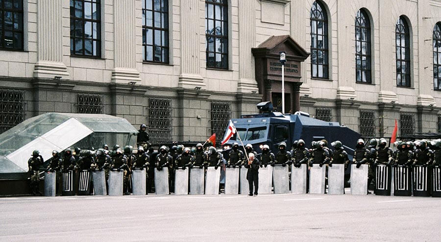 Photo of protests in Belarus against Alexander Lukashenko, who blocked internet access